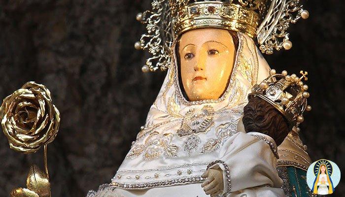 Oración a la Virgen de Covadonga para el amor